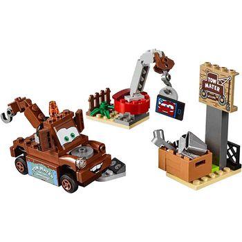 Lego JUNIORS Mater's Junkyard